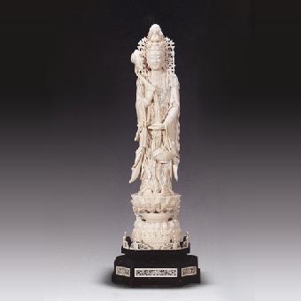 沉香木雕佛像鉴定,沉香木佛像的拍卖价格