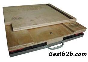 供应甲子运动木地板庭院材料别墅围栏实木图片