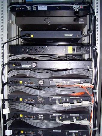 网络机柜_深圳网络机柜安装网络机柜线路整理整改美容