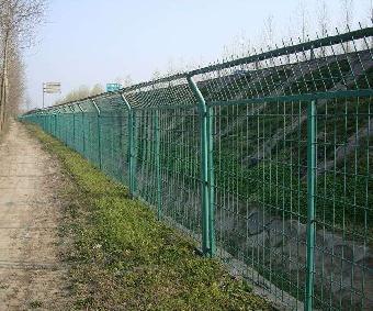 道路护栏网 铁路围栏网 欧式护栏 铁艺护栏 不锈钢