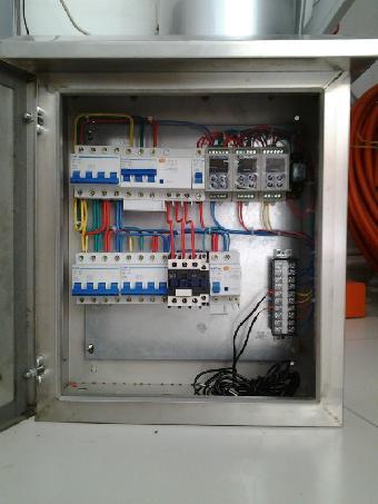 空气能热水工程控制柜