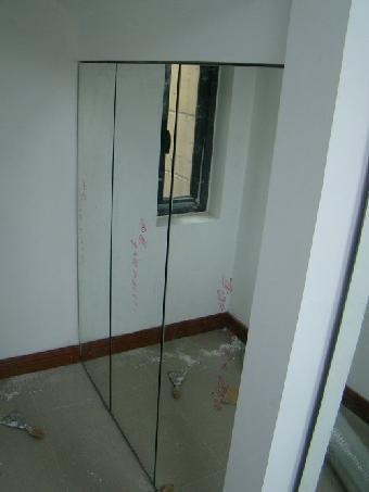 专业维修玻璃门下沉,更换各种型号的地弹簧,更换拆装玻璃门,自动门
