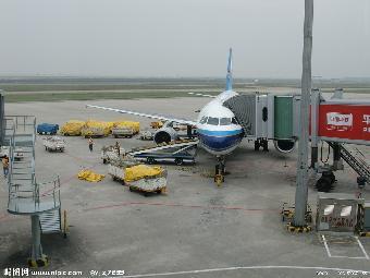木箱,纸箱等包装业务      (3)问:深圳到上海航空货运,假如货很多