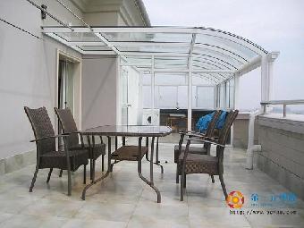 可分为:钢结构阳光房,铝合金结构阳光房
