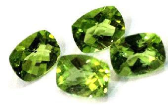 拍卖橄榄石评估价格找上海古雅林小姐