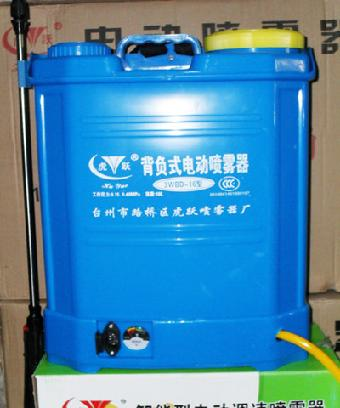 电动喷雾器随机配件:      充电器:1只把手