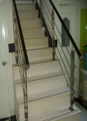 实木楼梯室内立柱展架