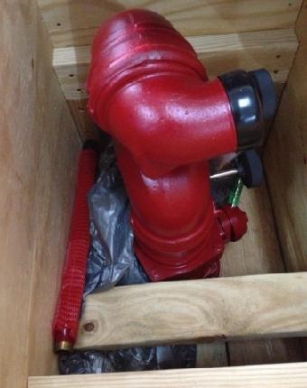 3678型电控消防水 / 泡沫两用炮系统被设计为一个小型的紧凑装置