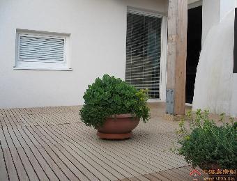 室外木平台龙骨间距