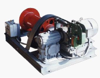 卷扬机以三箱异步电动机为动力,经弹性联轴节,封闭